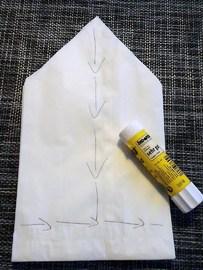 """Schritt 5: Auf der letzten Tüte nun das """"T"""" kleben..."""